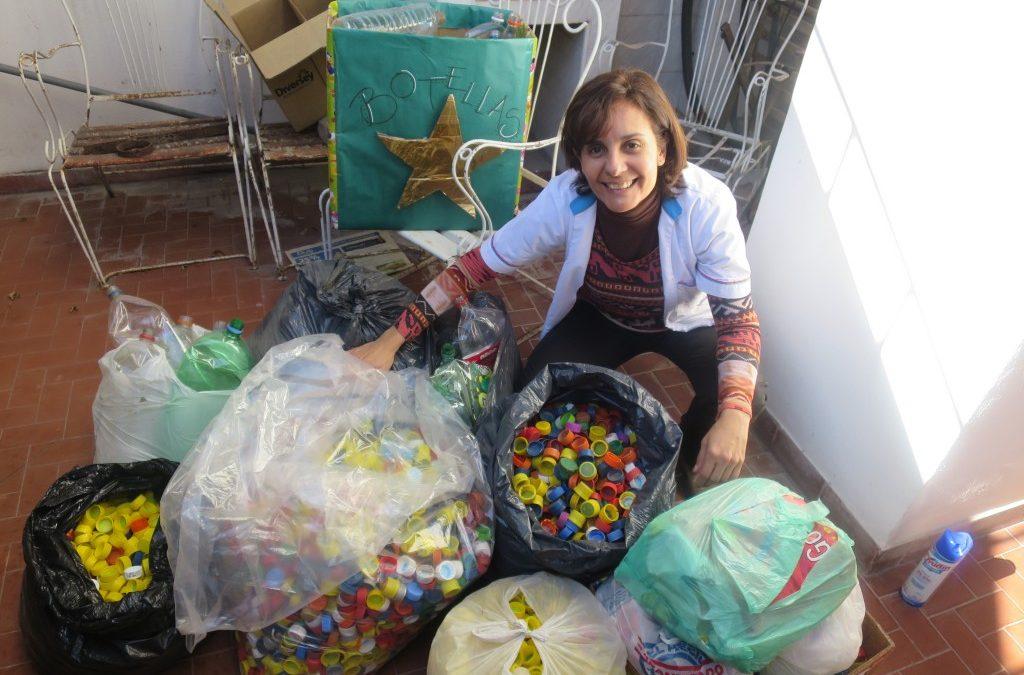 Gavina Recycling Program: Tapitas y Botellas por Sonrisas